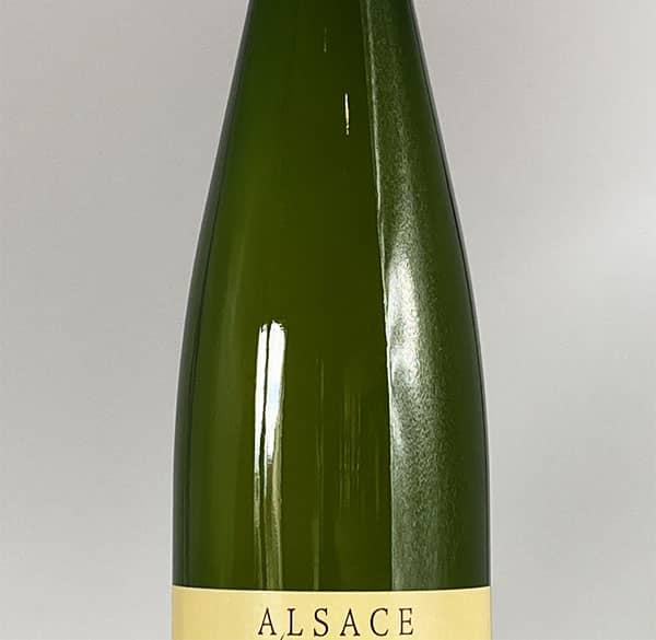 bottle body pinot blanc auxerrois 2015 alsace wine domaine gueth gueberschwihr